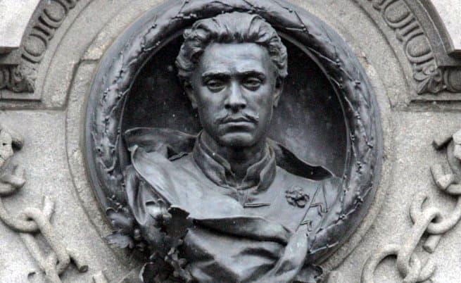 Васил Левски - паметник 2