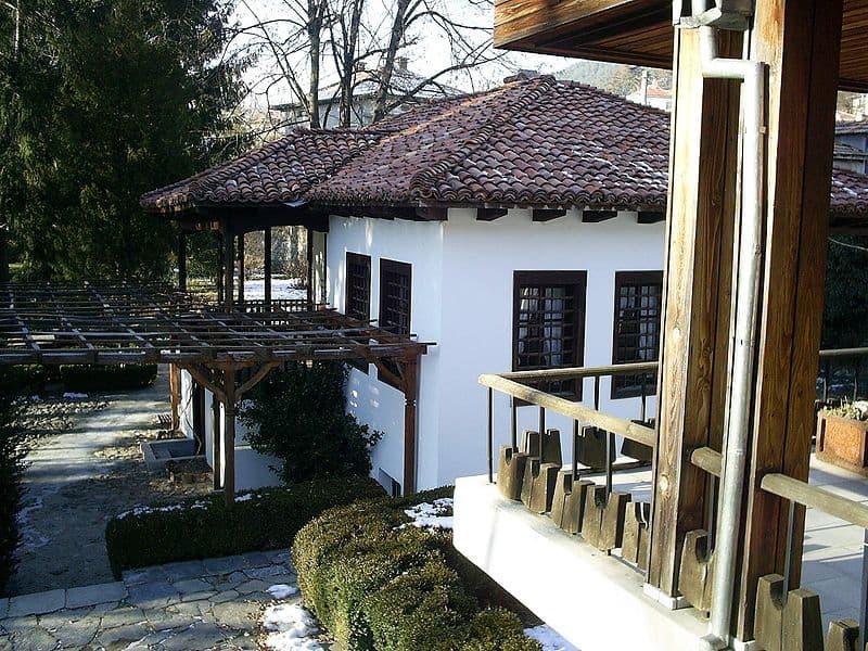 800px-Botev_House