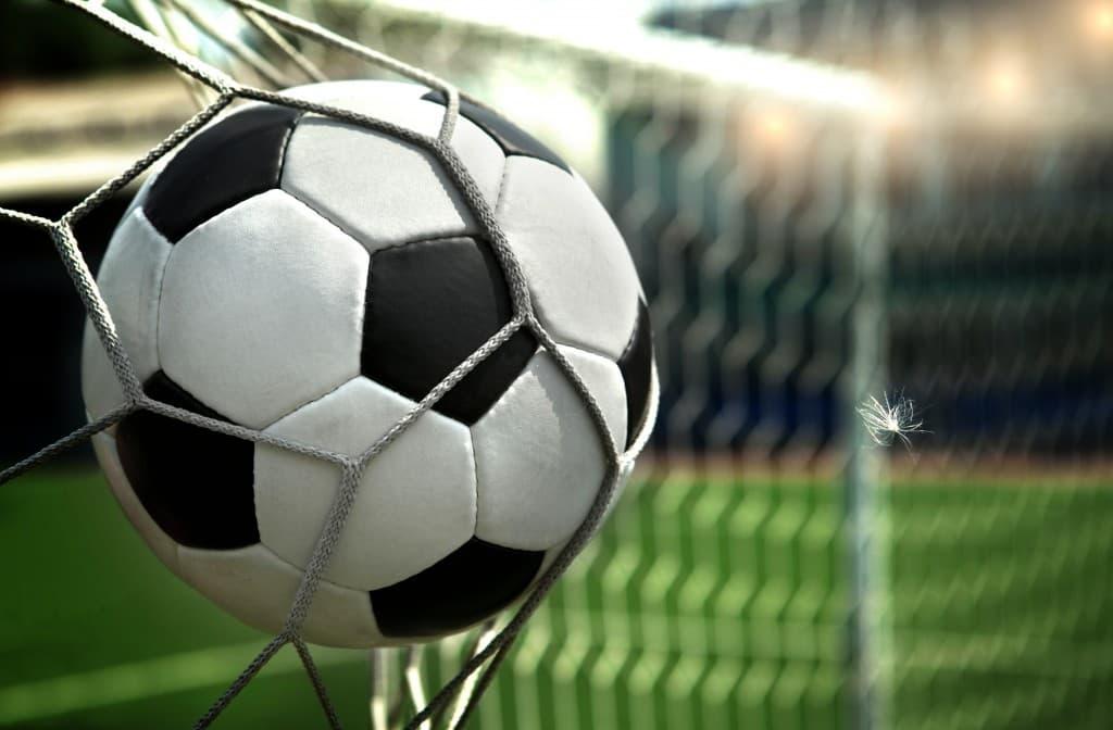 Sport_Soccerball_in_a_grid_036147_